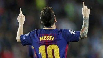 Lionel Messi festeja uno de los cuatro goles que le marcó ayer al Eibar.