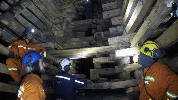 YCRT difundió fotografías de la zona de ventilación que el lunes sufrió un derrumbe, atribuyendo el mismoa la paralización de tareas de mantenimiento por medidas de fuerza de ATE.