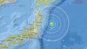 un fuerte terremoto sacudio la costa este de japon, cerca de fukushima