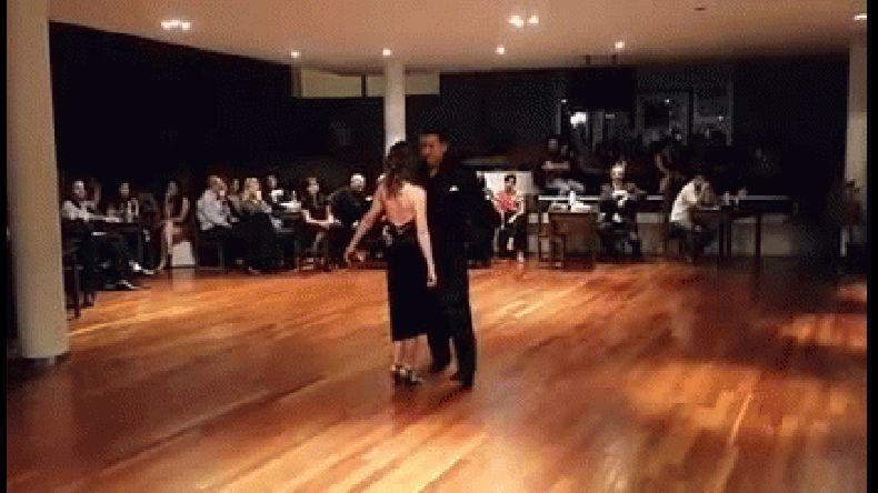 En La Plata prohíben bailar tango porque se gasta el piso