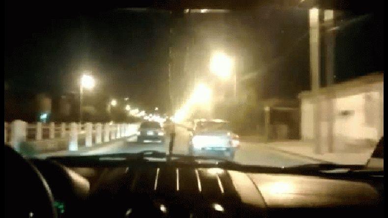 Imprudencia al volante: picada en plena avenida Roca