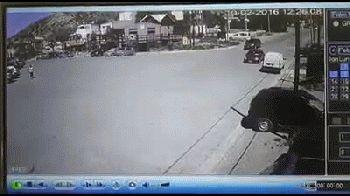 Un camión cruzó media ciudad sin frenos