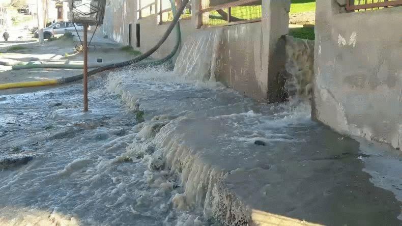 Un aluvión recorrió las calles del Pietrobelli